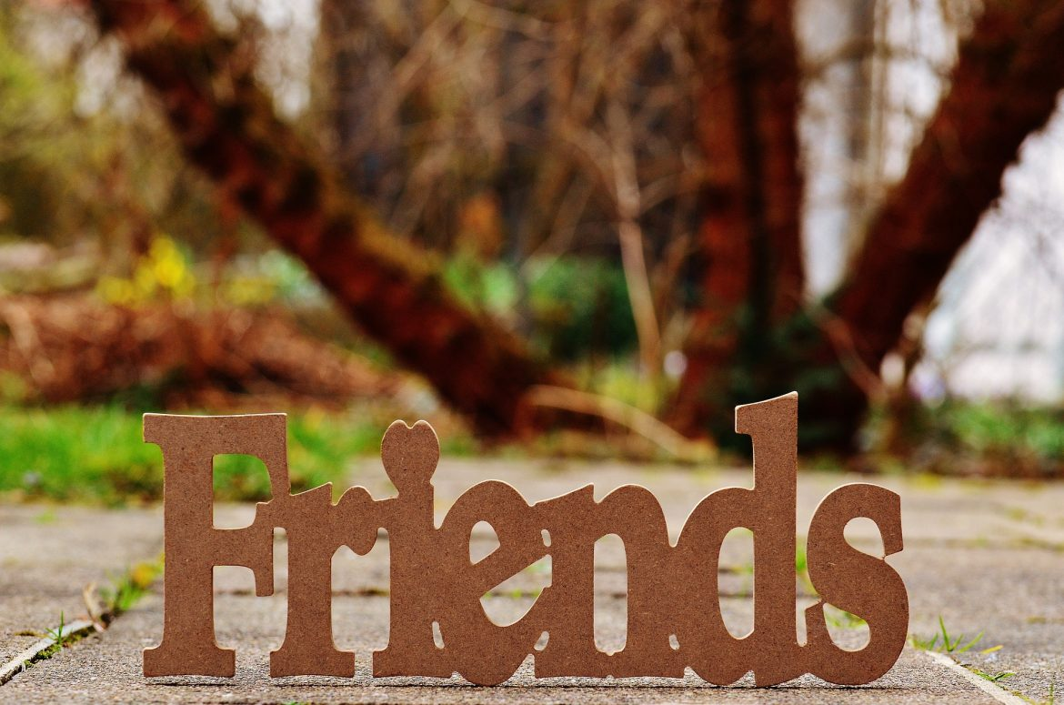 5 Tips for How To Make Friends Before You Move
